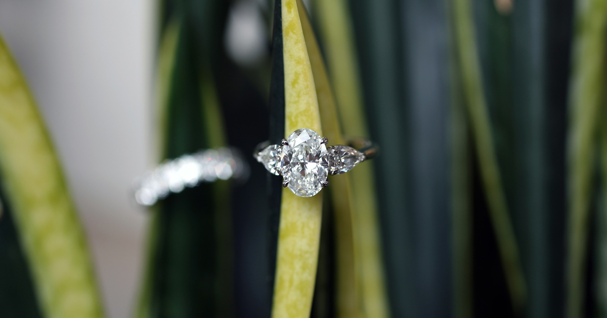 engagement ring buying tips