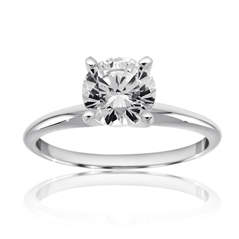 RITANI Classic Solitiare Engagement Ring