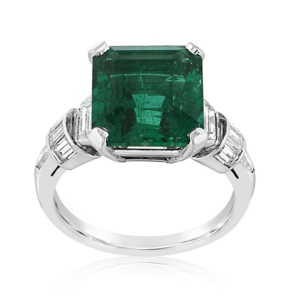 Emerald & Diamond Ring photo