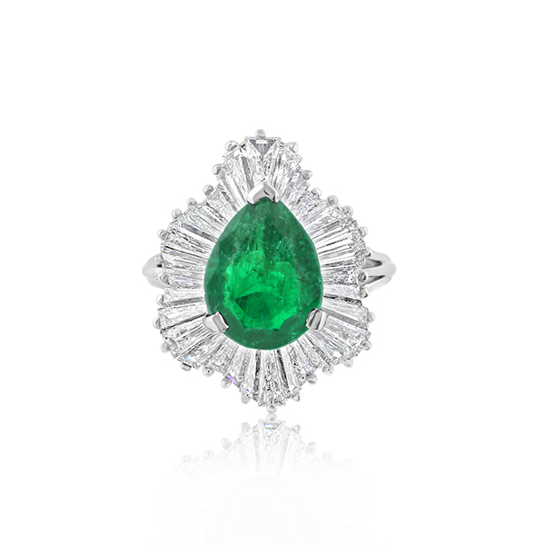 Estate Emerald & Diamond Ring photo