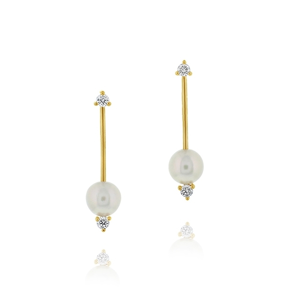 MIZUKI Sliding Pearl Bar Earrings photo